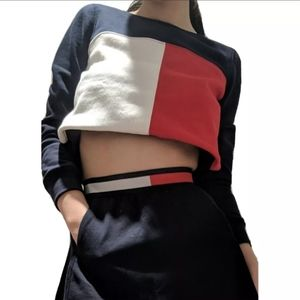 3/$75 - Tommy Hilfiger logo colourblock sweater